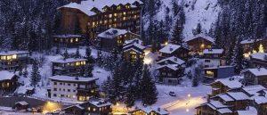 Lomakylät sijaitsevat harrastusten lähellä, esimerkiksi hiihtokeskuksissa.